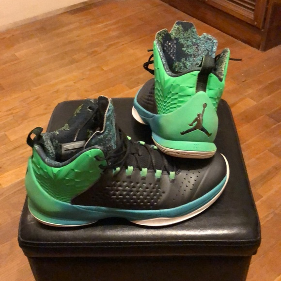 bfef02c4cfad Jordan Other - Air Jordan Carmelo Anthony Elevens size 10 1 2